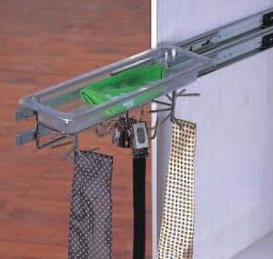 מתקן צד נשלף לעניבות,חגורות וחפצים